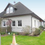 Einfamilienhaus-zum-Wohlfuehlen-in-Hude-Fassade