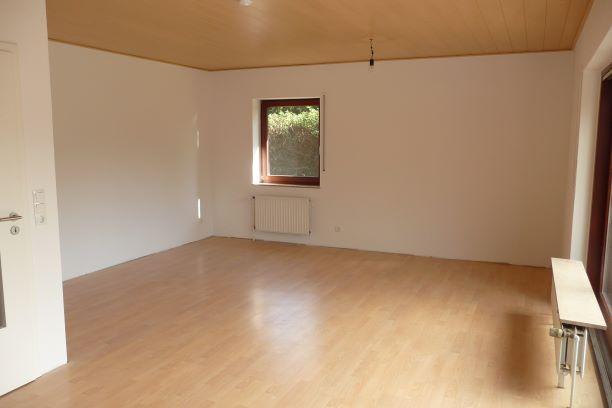 Freistehender-Bungalow-Wohnbereich2