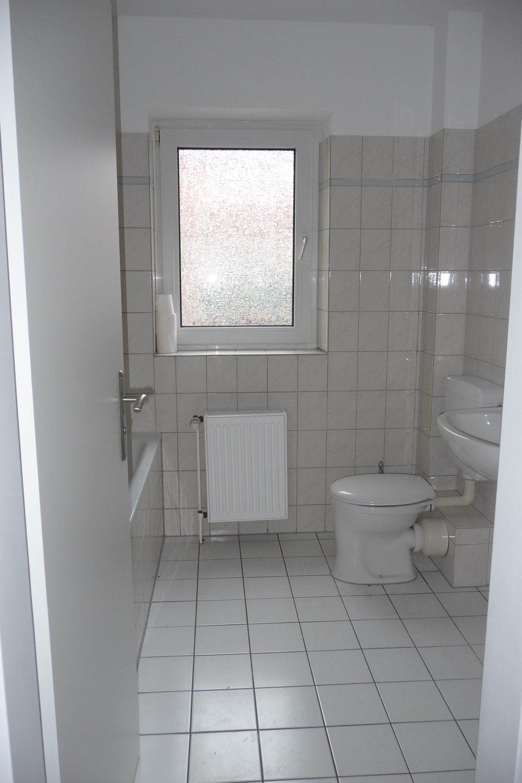 zentral-gelegene-dachgeschosswohnung-in-huntlosen-badezimmer