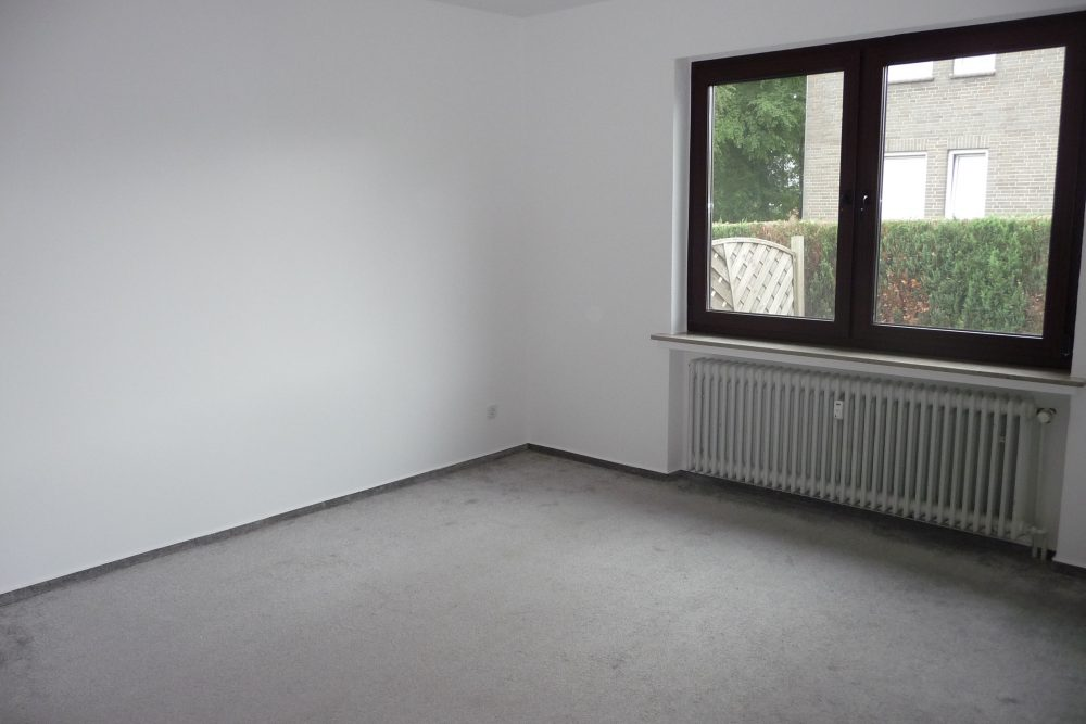 grosszuegige-erdgeschosswohnung-im-zweifamilienhaus-schlafzimmer