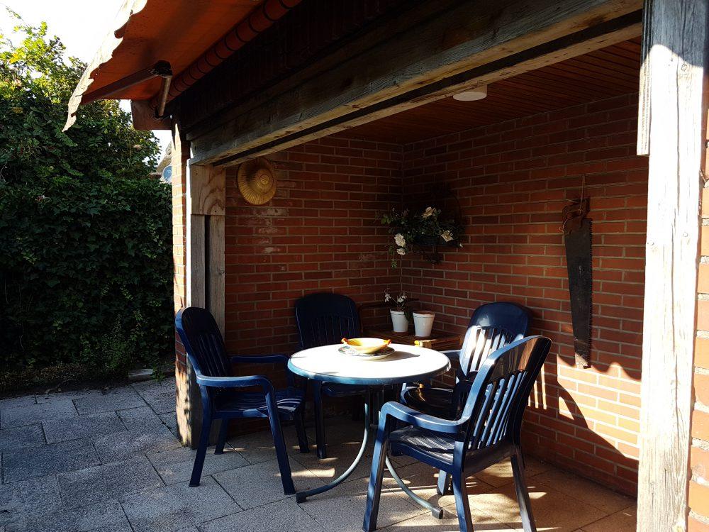 reetdachhaus-am-deich-in-altenesch-freisitz