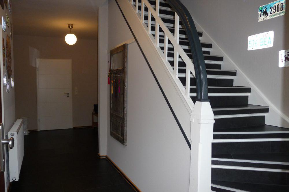 energetisch-saniertes-einfamilienhaus-mit-viel-platz-flur-EG