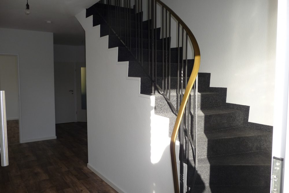 Massive Treppe